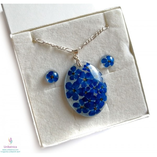 Cvetlični nakit - ogrlica in DARILO - cvetlični uhani z gozdnima spominčicama